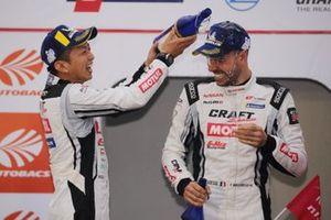 Podium: race winner #3 B-Max Nissan GT-R: Kohei Hirate, Frederic Makowiecki