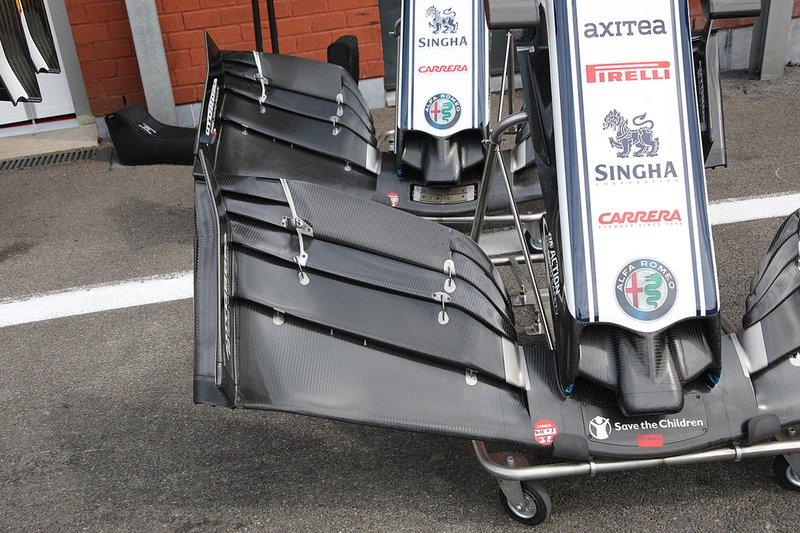 تفاصيل الجناح الأمامي لسيارة ألفا روميو سي38