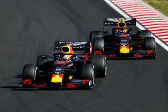 Max Verstappen, Red Bull Racing RB15 laps Pierre Gasly, Red Bull Racing RB15
