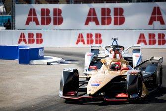 Жан-Эрик Вернь, DS Techeetah Formula E Team, DS E-Tense FE 19, и Эдоардо Мортара, Venturi Formula E Team, Venturi VFE05
