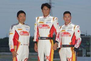 片岡龍也、谷口信輝、小林可夢偉(#00 Mercedes-AMG Team GOODSMILE)