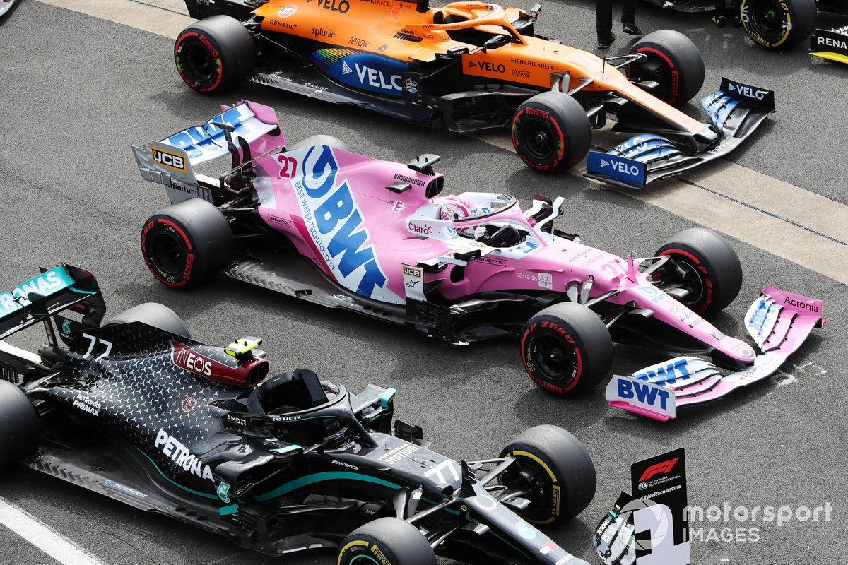 Los monoplazas del ganador de la pole Valtteri Bottas, Mercedes F1 W11, Nico Hulkenberg, Racing Point RP20, Lando Norris, McLaren MCL35, y Daniel Ricciardo, Renault F1 Team R.S.20, en Parc Ferme