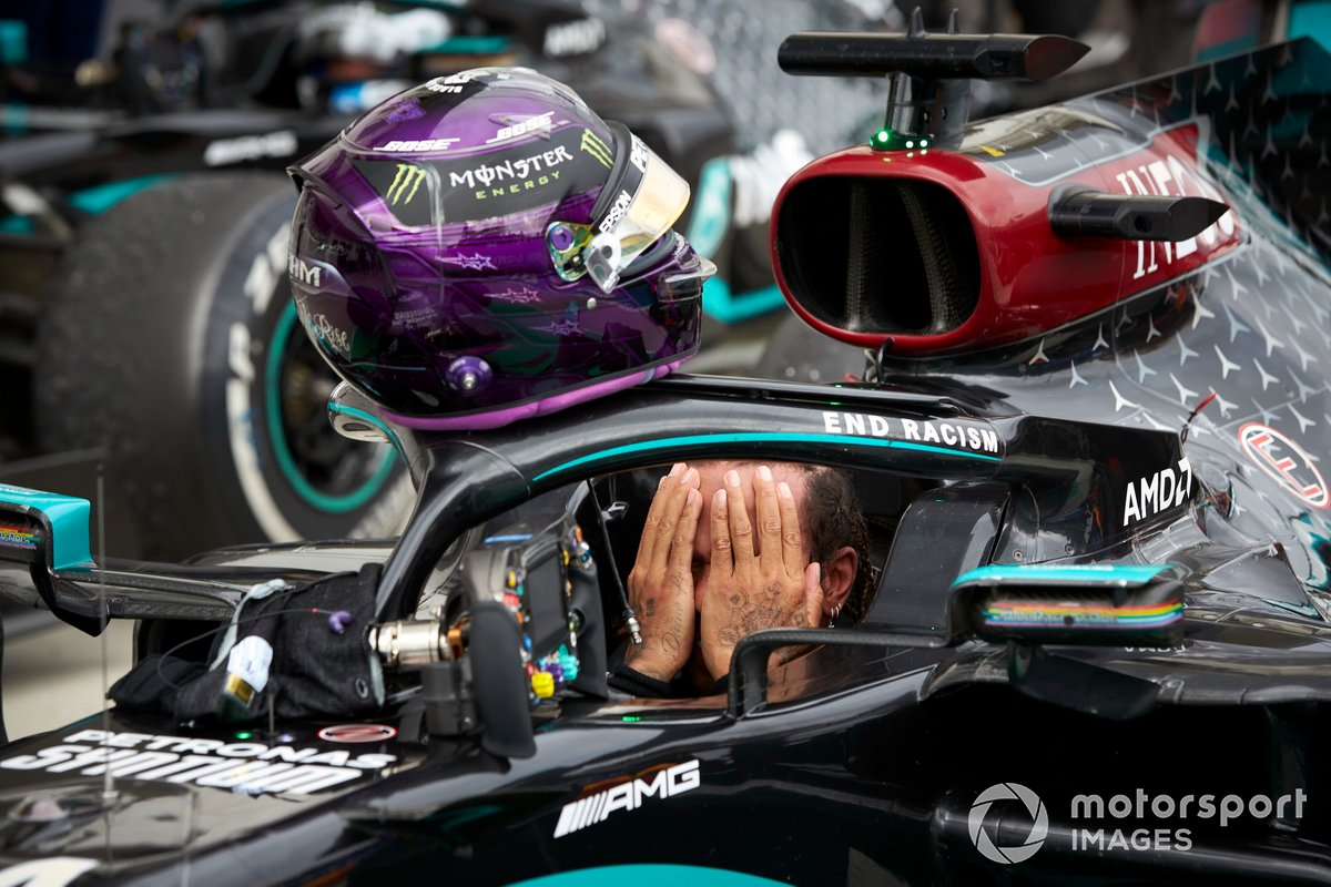Lewis Hamilton, Mercedes-AMG Petronas F1, festeggia la vittoria al parc ferme