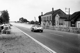 Stirling Moss, Harry Schell, Maserati 450 SZ Coupe