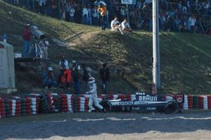 Satoru Nakajima, Tyrrell 020 retires after an accident