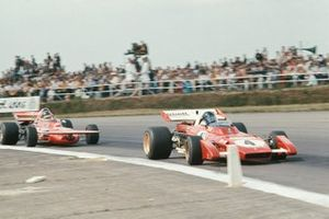 Jacky Ickx, Ferrari 312B2, Ronnie Peterson, March 711 Ford