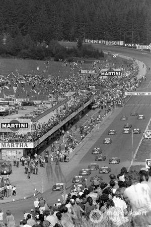 Jo Siffert, British Racing Motors P160, Clay Regazzoni, Ferrari 312B2, Jackie Stewart, Tyrrell 003 Ford