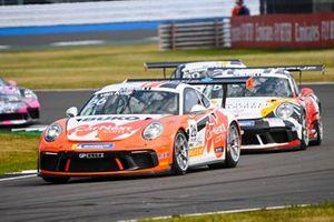 Jesse van Kujik, Team GP Elite, leads Jukka Honkavuori, MRS GT-Racing, and Lucas Groeneveld, Team GP Elite