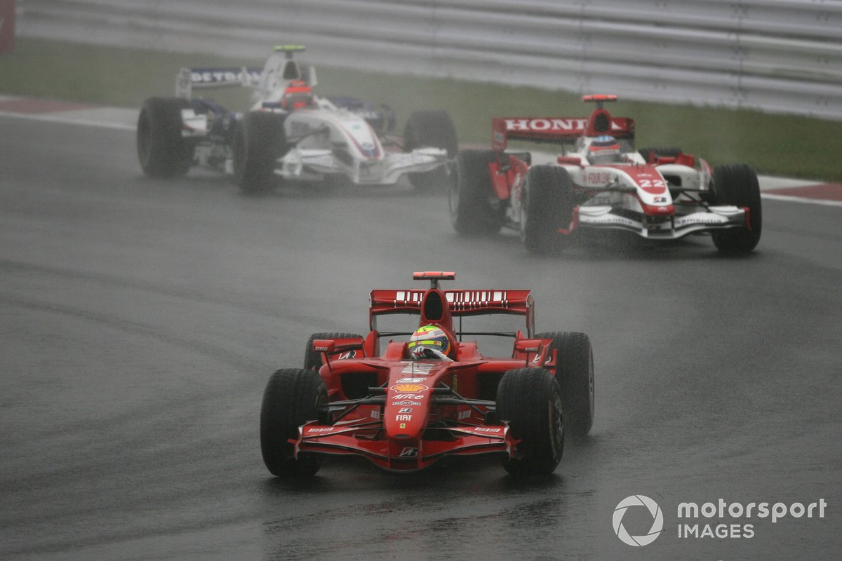 8. Massa vs Kubica (Japan 2007)