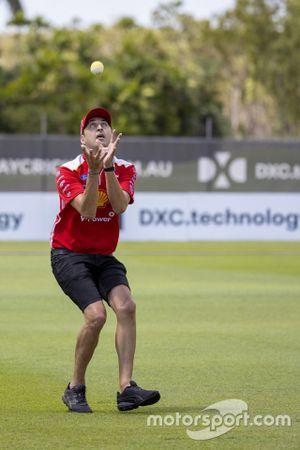 Fabian Coulthard, DJR Team Penske plays cricket