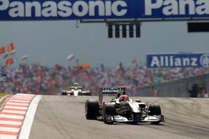 Michael Schumacher, Mercedes GP W01, Nico Rosberg, Mercedes GP W01