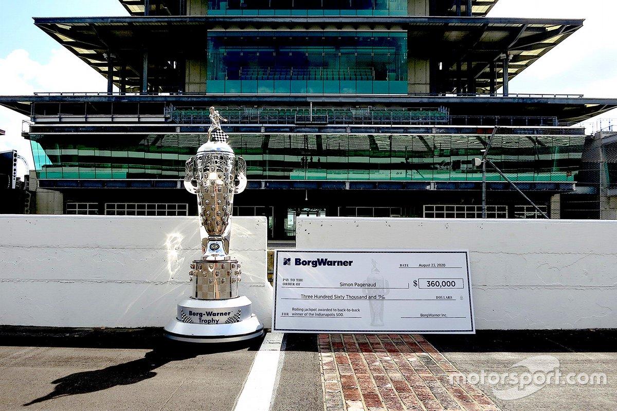El trofeo Borg-Warner de la Indy 500