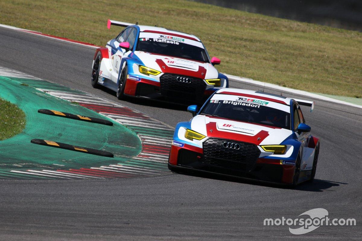 Eric Brigliadori, BF Motorsport, Audi RS 3 LMS TCR, davanti a Francesca Raffaele, BF Motorsport, Audi RS 3 LMS TCR