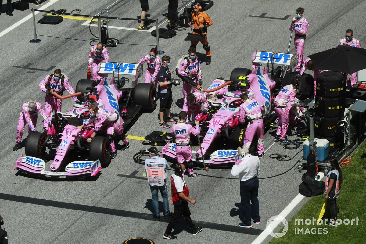 Sergio Perez, Racing Point RP20, e Lance Stroll, Racing Point RP20, sulla griglia di partenza