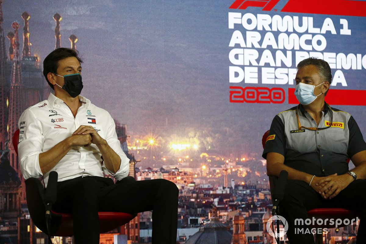 Toto Wolff, Executive Director (Business), Mercedes AMG and Mario Isola, Racing Manager, Pirelli Motorsport