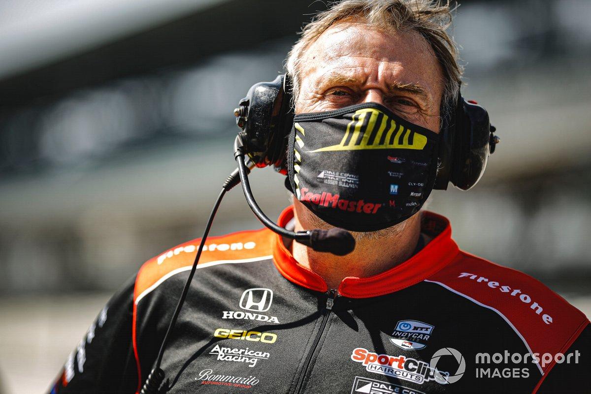 Santino Ferrucci, Dale Coyne Racing with Vasser Sullivan Honda, miembro del equipo