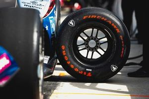 Graham Rahal, Rahal Letterman Lanigan Racing Honda, tire