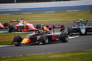 Liam Lawson, Hitech Grand Prix, y Jake Hughes, HWA Racelab