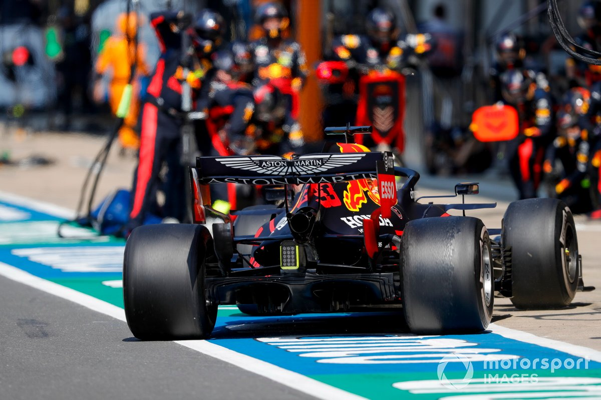 Pitstop di Max Verstappen, Red Bull Racing RB16,