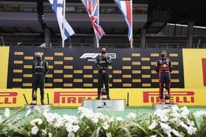 Valtteri Bottas, Mercedes-AMG Petronas F1, Race winner Lewis Hamilton, Mercedes-AMG Petronas F1 and Max Verstappen, Red Bull Racing on the podium