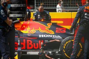 Алекс Элбон, Red Bull Racing RB16, на стартовой решетке Гран При Штирии