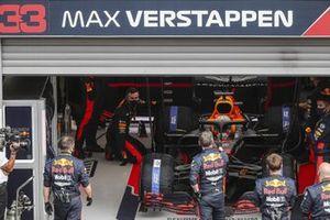 Max Verstappen, Red Bull Racing RB16, si prepara per schierarsi in griglia di partenza