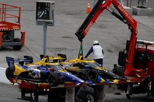 Alexander Rossi, Andretti Autosport Honda, Zach Veach, Andretti Autosport Honda cars are towed back to the garage after a crash on lap one