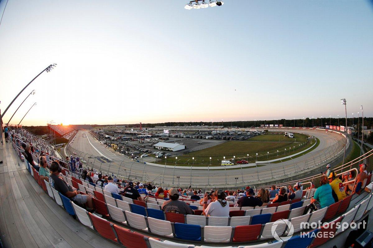 #9: Darlington Raceway (1,366 Meilen) - 184,245 mph