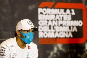 Il vincitore della gara Lewis Hamilton, Mercedes-AMG F1 in conferenza stampa