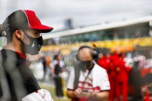 Antonio Giovinazzi, Alfa Romeo, on the grid