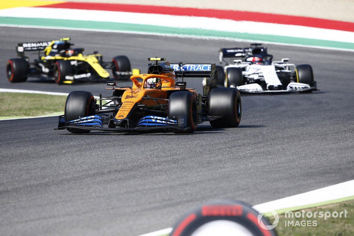 Lando Norris, McLaren MCL35, Daniil Kvyat, AlphaTauri AT01, Esteban Ocon, Renault F1 Team R.S.20