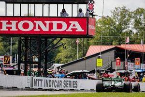 Colton Herta, Andretti Harding Steinbrenner Autosport Honda takes the checkered flag