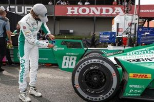 NTT P1 Award winner Colton Herta, Andretti Harding Steinbrenner Autosport Honda celebrates his pole win