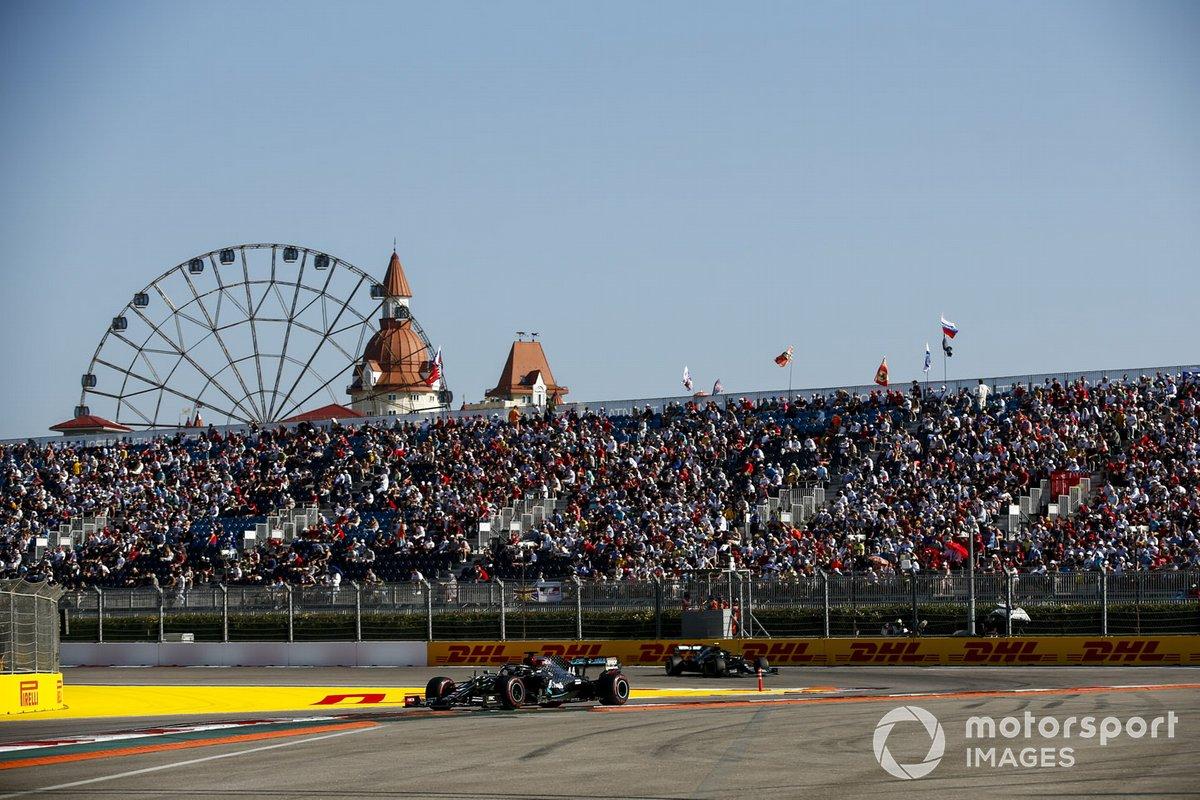 Lewis Hamilton, Mercedes F1 W11, Valtteri Bottas, Mercedes F1 W11