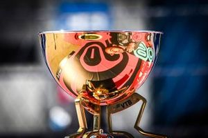 The trophy on the grid