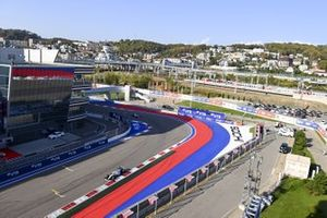 George Russell, Williams FW43, Sergio Perez, Racing Point RP20