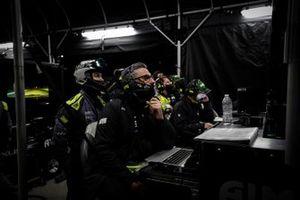 #14 AIM Vasser Sullivan Lexus RC-F GT3, GTD: Jack Hawksworth, Michael De Quesada, Aaron Telitz, engineers