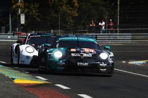 #99 Dempsey-Proton Racing Porsche 911 RSR: Vutthikorn Inthraphuvasak, Lucas Legeret, Julien Piguet