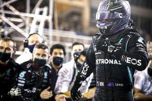 Lewis Hamilton, Mercedes, 1e plaats, in Parc Ferme
