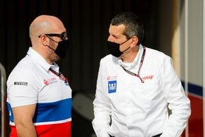 Stuart Morrison, Head Of Communications, Haas F1 Team and Guenther Steiner, Team Principal, Haas F1