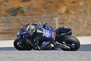 Maverick Vinales menggeber Yamaha R1 2021