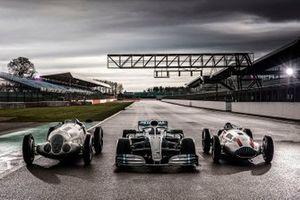 Mercedes-Benz cars line-up