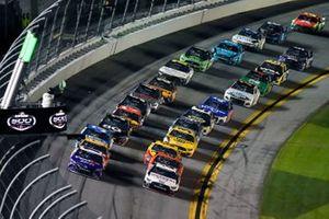 Denny Hamlin, Joe Gibbs Racing, Toyota Camry FedEx, Brad Keselowski, Team Penske, Ford Mustang Discount Tire