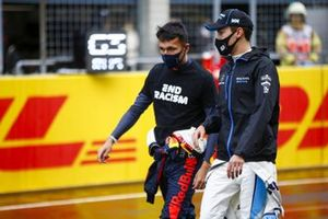 Alex Albon, Red Bull Racing, and George Russell, Williams Racing, on the grid