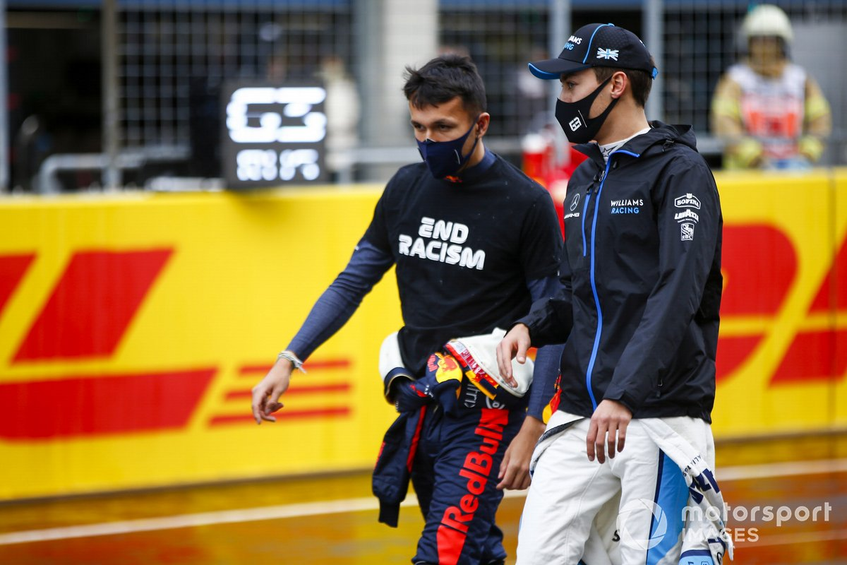 Alex Albon, Red Bull Racing, y George Russell, Williams Racing