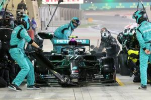 Valtteri Bottas, Mercedes F1 W11, makes a stop