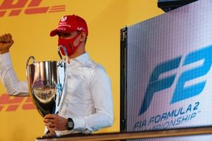 Mick Schumacher, Prema Racing, with his championship trophy