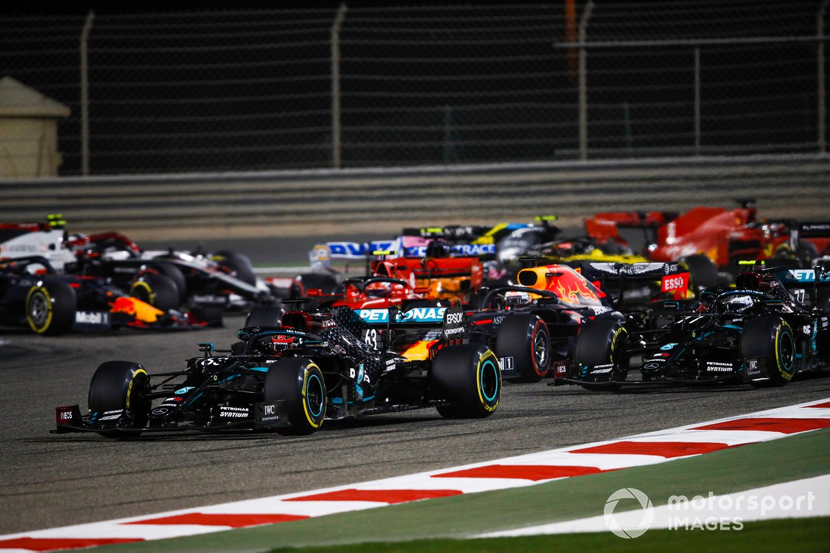 George Russell, Mercedes F1 W11, Sergio Perez, Racing Point RP20, Max Verstappen, Red Bull Racing RB16, Valtteri Bottas, Mercedes F1 W11, Charles Leclerc, Ferrari SF1000, and the rest of the field at the start
