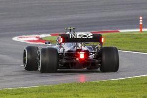 Valtteri Bottas, Mercedes F1 W11, spins