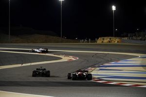 George Russell, Mercedes F1 W11, Antonio Giovinazzi, Alfa Romeo Racing C39